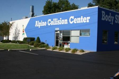 Alpine Collision (800x533)