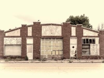 Closed auto shop